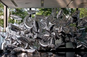 silver-clouds-andy-warhol1